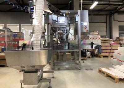Unilogo Robotics - Z6 capping machine - 3